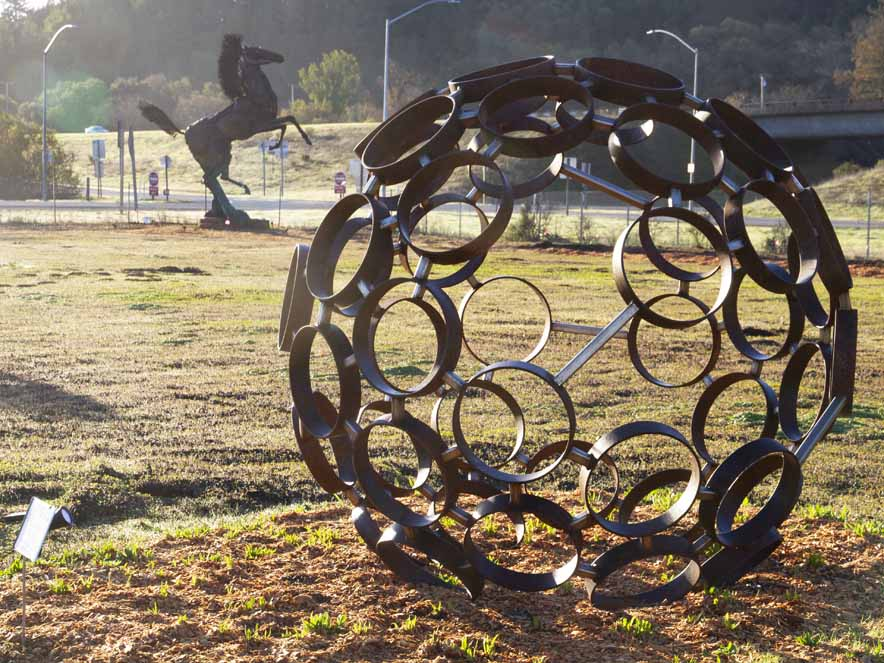 Image of sculptures on Geyserville sculpture trail