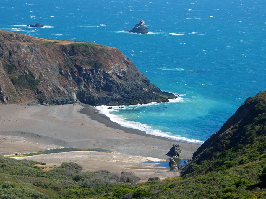 Rocky headlands form the gulch in Sonoma County