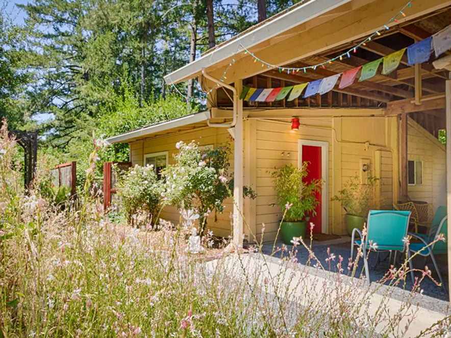 cottage exterior at Shanti permaculture farm in sonoma county