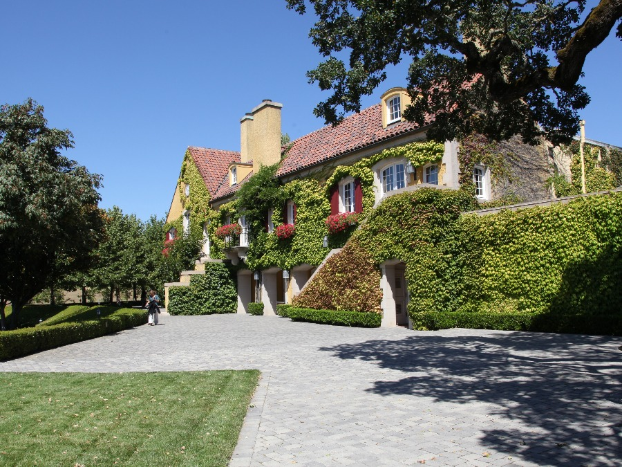 A picture of Jordan Winery in the Alexander Valley wine region of Sonoma County