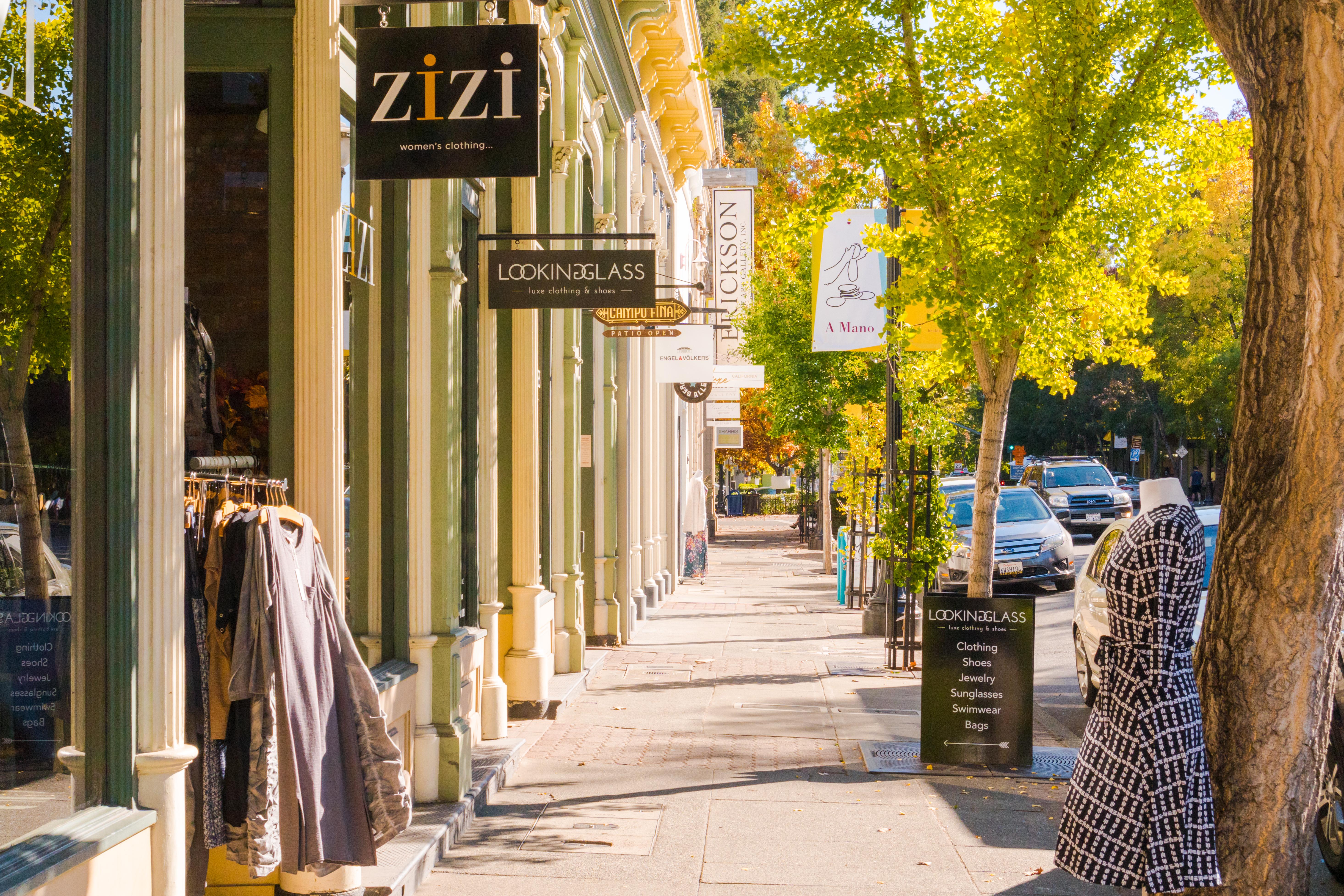 Shopping in Healdsburg, California