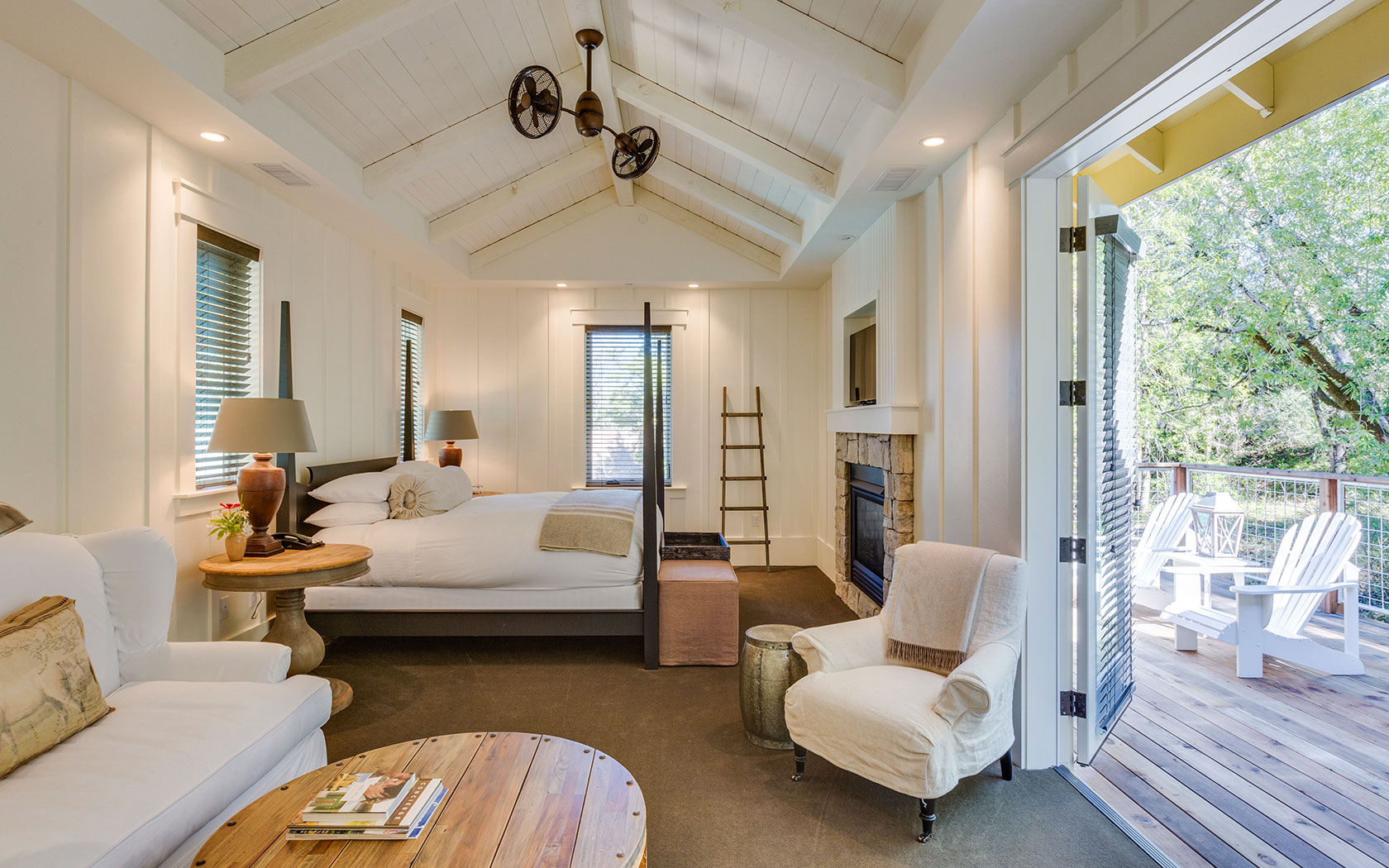 Stay in a luxurious Farmhouse Inn suite in Sonoma COunty, California