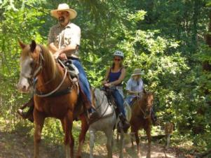 horseback riding in sonoma county