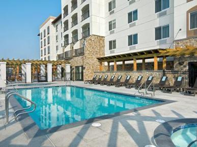 oxford suites rohnert park, california