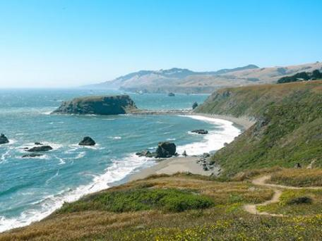 Feel Like A Day At The Beach With Tide Pooling Hike Along Coastal Cliffs Driftwood For Kids To Be Able Build Fort Beaches Sonoma Coast