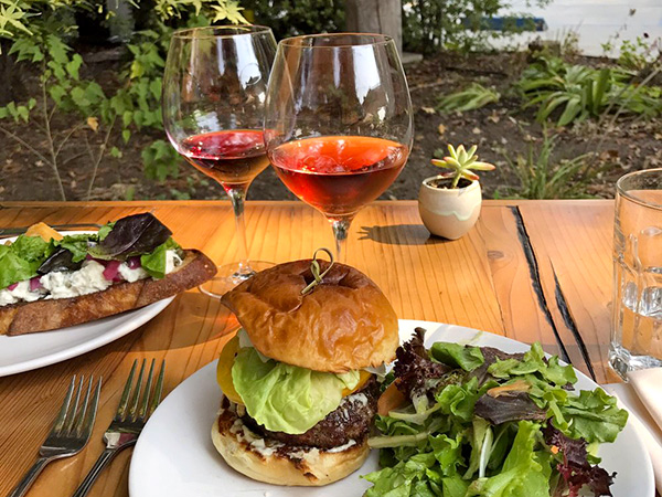 Enjoy lunch at Russian River Vineyards in Sonoma County, California