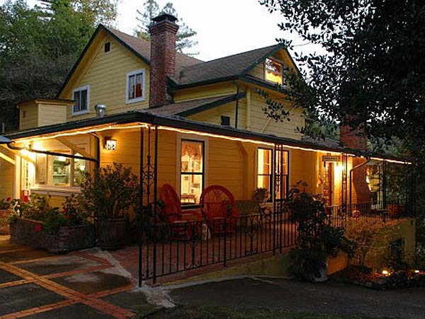 Accomodations at Sonoma Orchid Inn in Guerneville, Sonoma County, California