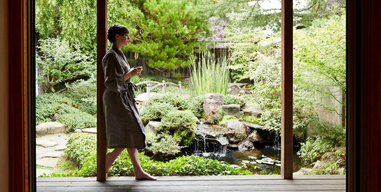 Picture of woman at spa drinking tea