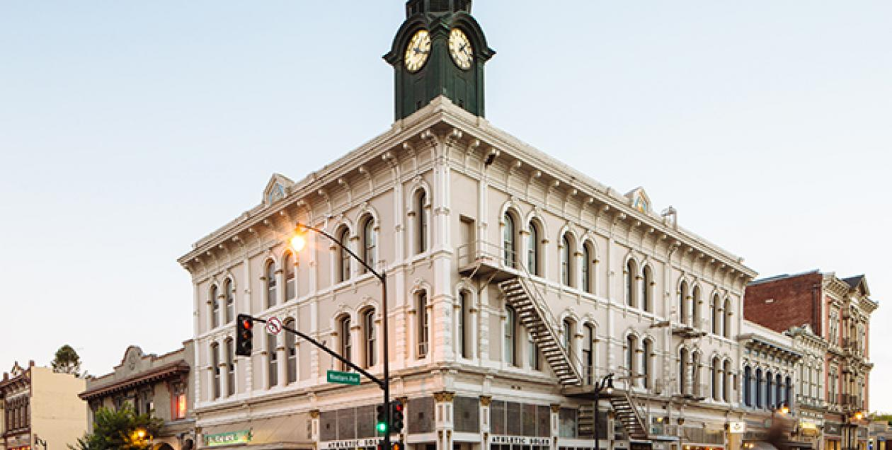 cities_towns_petaluma_by_m_woolsey_sonoma_county_600x450.jpg