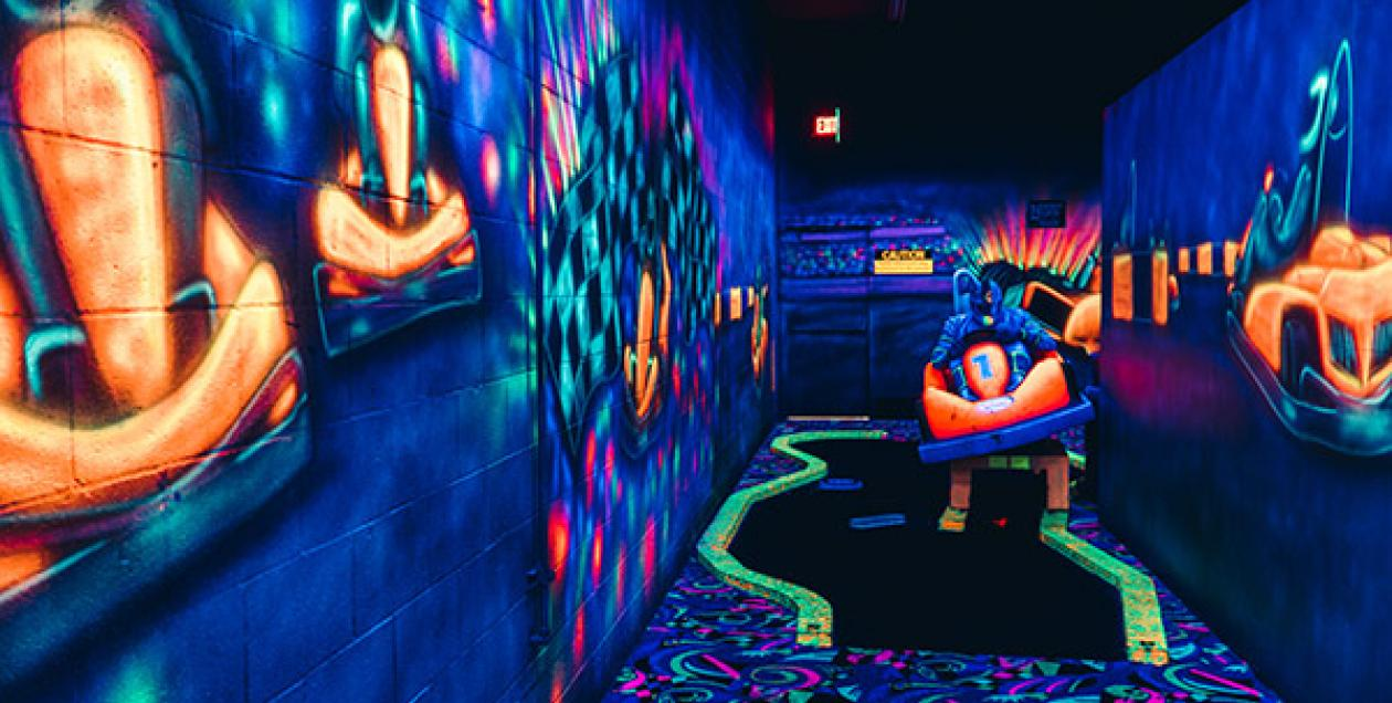 driven-raceway-mariah-harkey-blacklight-mini-golf-600x450.jpg