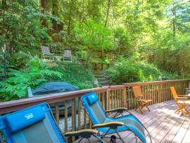 Absolute Zen is a stellar vacation home in a quiet area of the Russian River