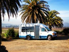 Platypus Wine Tours Join-In Tour Bus: Elroy