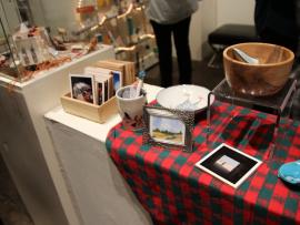 Holiday Gift Gallery Photo