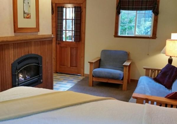 Deluxe Studio Cabin at Highlands Resort Photo 5