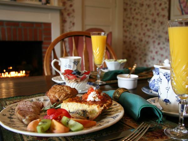 Breakfast at Raford Inn Photo 5
