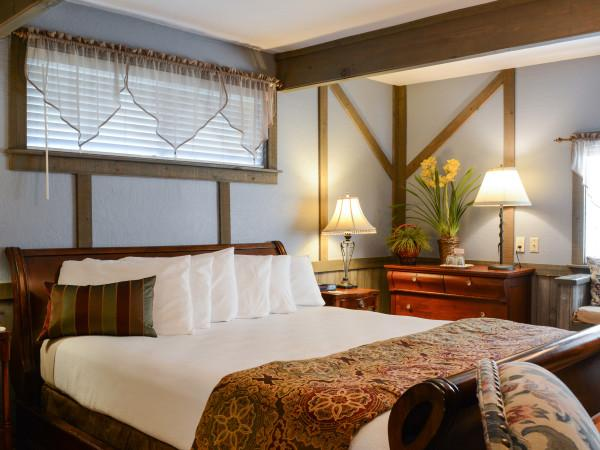The Hawthorn Room at Sonoma Orchid Inn Photo 9