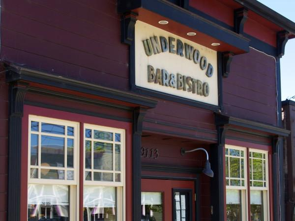Underwood Bar & Bistro Photo 6