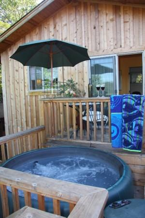 Private hot tub on private deck Photo 4