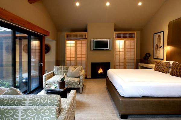 Gaige House + Ryokan - The popular Zen Suite Creekside with a king bed, deep soaking tub and private deck overlooking the creek Photo 3