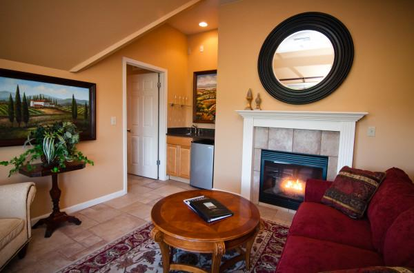Tuscan Suite's private living room Photo 9