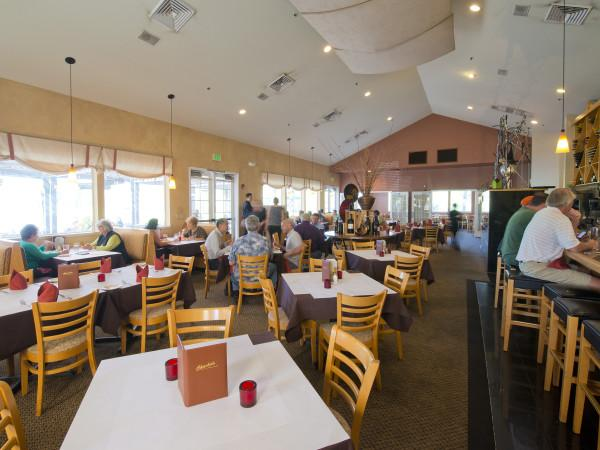 Charlie's Restaurant at the Windsor Golf Club Photo 4