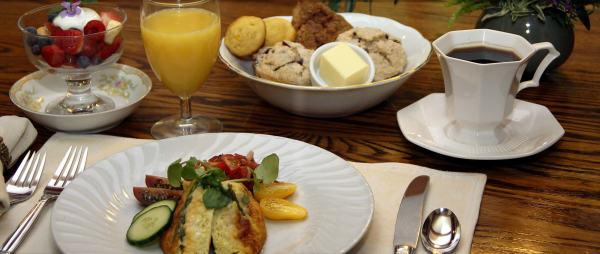 Avalon Luxury Inn Handcrafted Breakfast! Photo 3