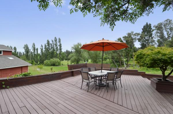 Outdoor Dining, Fallen Tree Ranch Photo 16