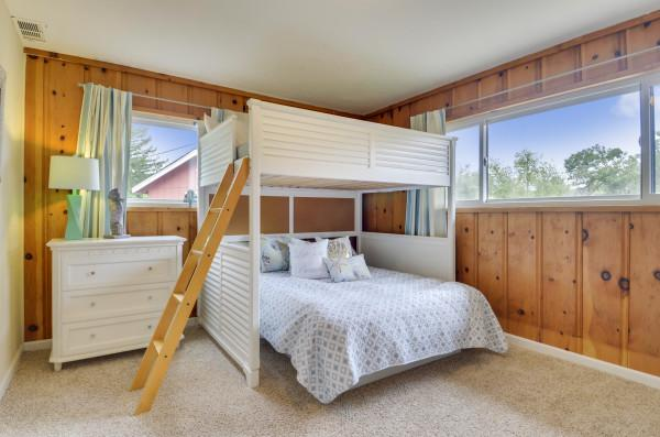 Third Bedroom at Fallen Tree Ranch Photo 9