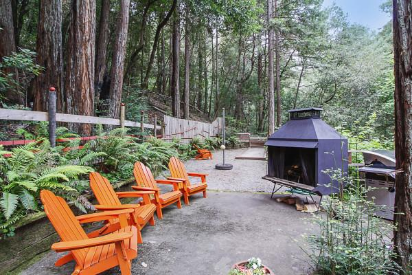 Outdoor Fireplace and Bocce Ball Court, Big Bertha's Photo 17