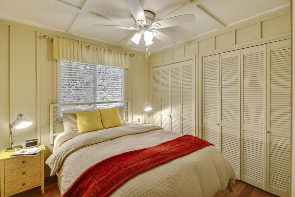 Upstairs Bedroom, Big Bertha's Photo 7