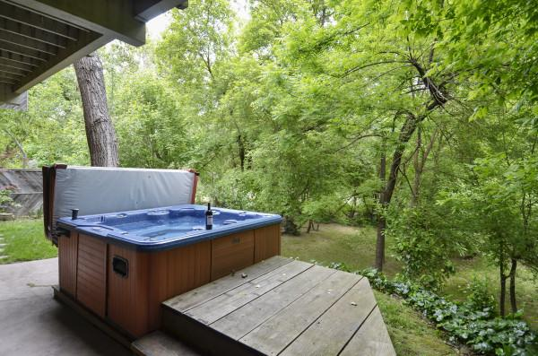 Hot Tub at Contente Photo 43