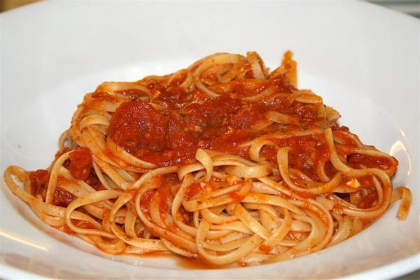 Linguini Marinara Photo 9