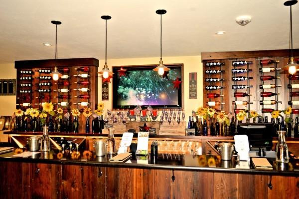 Tasting Room Bar Photo 6