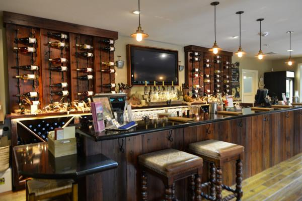 Tasting Room Bar Photo 21