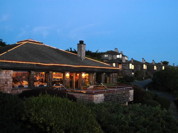 Bay View Restaurant at Inn at the Tides Photo 3