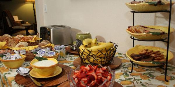 Fern Grove Cottages Breakfast Buffet Photo 6