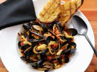 Wood oven roasted mussels at Jackson's Bar and Oven - Photo by Will Bucquoy Photo