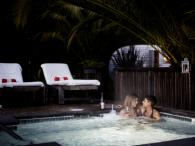 boon hotel + spa hot tub Photo
