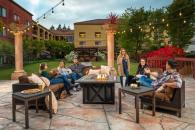 Relax with friends on our Courtyard Patio Photo 3