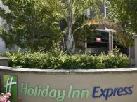 Holiday Inn Express Windsor Photo