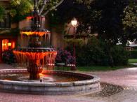 Vintners Inn - the fountain and courtyard Photo 9