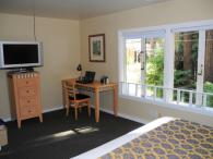 Deluxe King Room at Rio Nido Lodge at the Russian River Photo 4