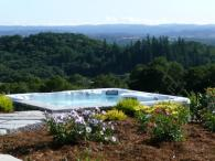 Calluna Vineyards Guest House - Hot tub that has amazing views of wine country. Photo 2
