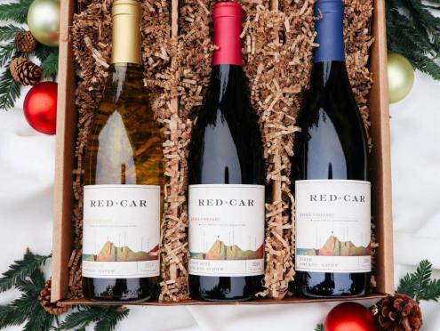 Picture of gift box of wines