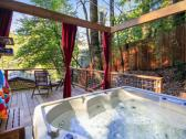 The hot tub at Austral Moon!