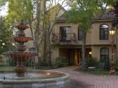Vintners Inn - the fountain