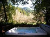 Cottage 2 hot tub at Meadowview Cottages